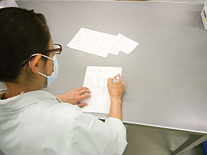 手術室用注射カート